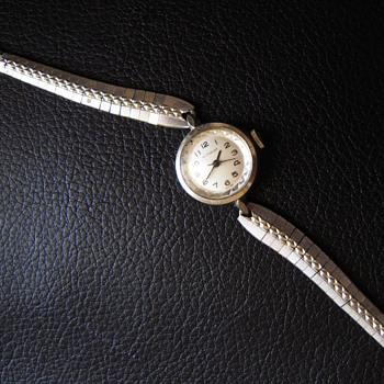 Ladies Wittnauer watch - Wristwatches