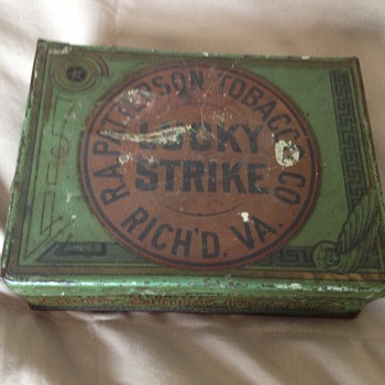 Lucky Strike 4oz square tin  - Tobacciana