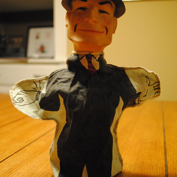 1961 Dick Tracy hand puppet by Ideal - Toys