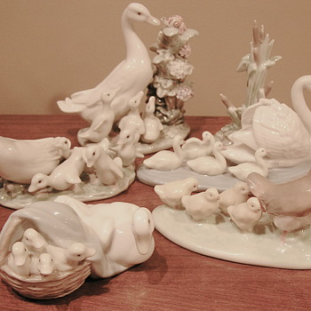 Lladro mommies with babies. Happy Mother's Day! - Figurines