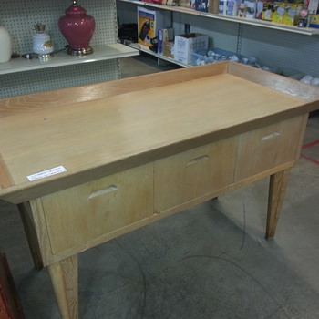 Looks like an autopsy table; what is it?