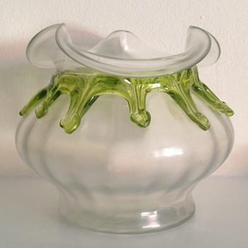 Kralik soie de verre teardrop rosebowl