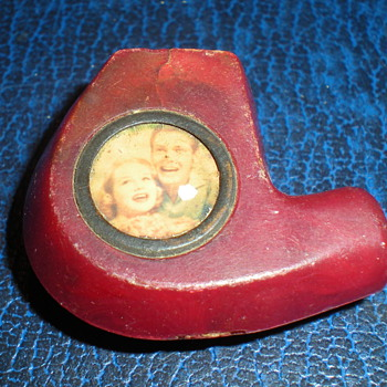 """Art Deco Bakelite cigarette holder with """"Hollywood stars""""? - Art Deco"""