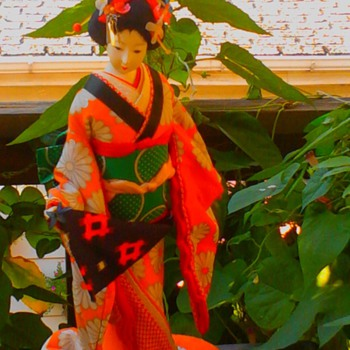 Spring beauty maiko with non-glass, painted on eyes    - Dolls