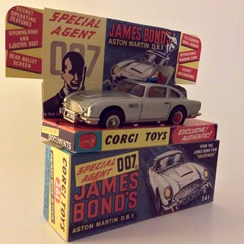 Corgi 261 007 Golfinger Aston Martin DB5 - Model Cars
