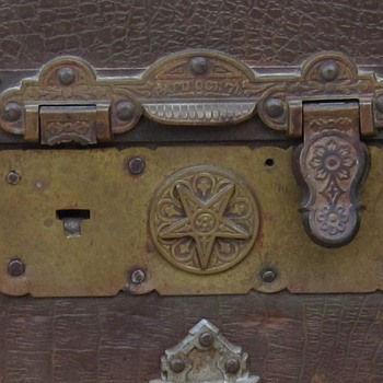 Mid to late 1880's Martin Maier, star lock repair. - Furniture
