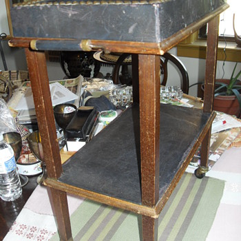 EARLY 20th CENTURY SALESMAN SAMPLE (SERVING CART) - Furniture