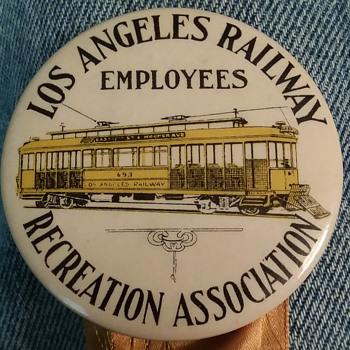 Rare 1912 pinback badge - Medals Pins and Badges