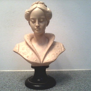 "Vintage Arnoldo Giannelli "" Bust of a Woman in a Medici Collar"" / Recomposed Stone / Circa 1960's - Fine Art"