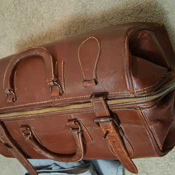 Doctors bag? - Bags
