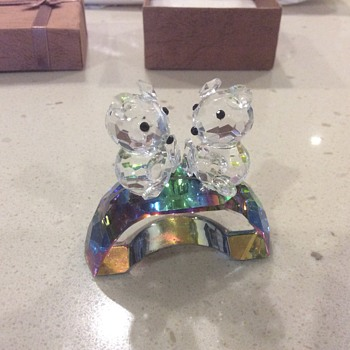 Two bears on an arch - Art Glass