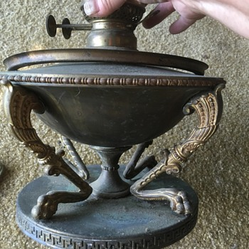 Clawed 2 burner brassoil lamp - Lamps