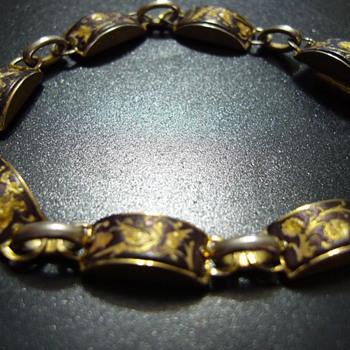 Bracelet with damascening