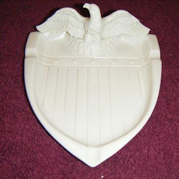Gladding McBean ashtray - Pottery