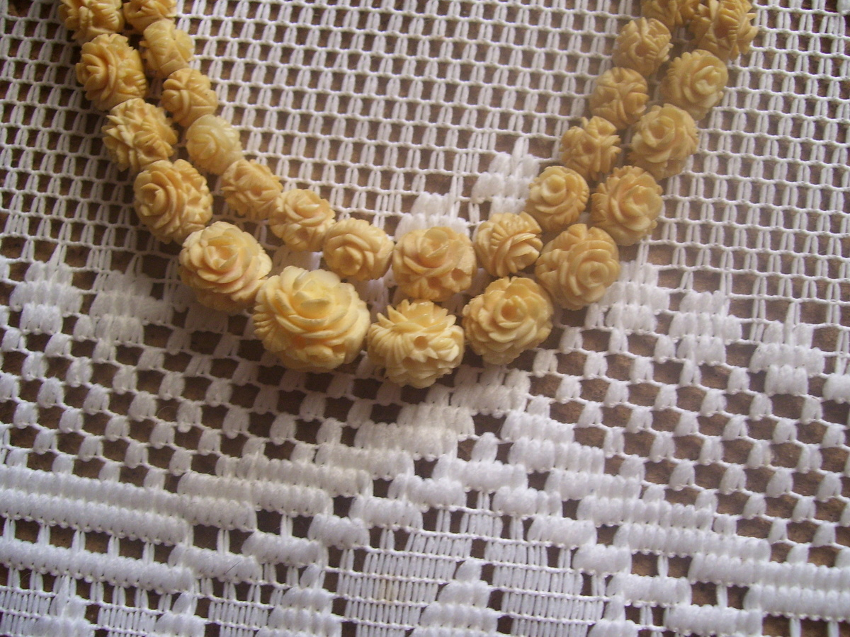 S asian carved ivory necklace