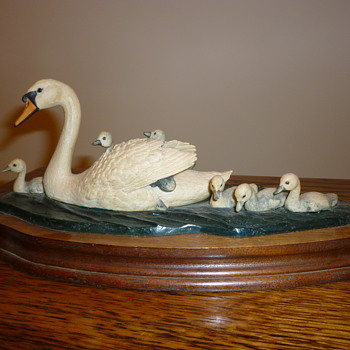 Swan set in glass - Pottery