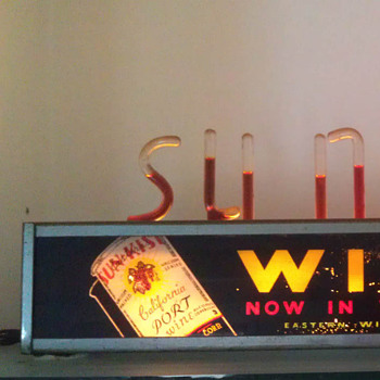 Sun Kist Wine bubble light sign. - Signs