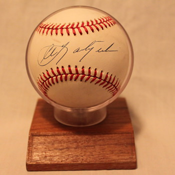 1989 Hall of Fame Carl Yastrzemski Autographed Baseball