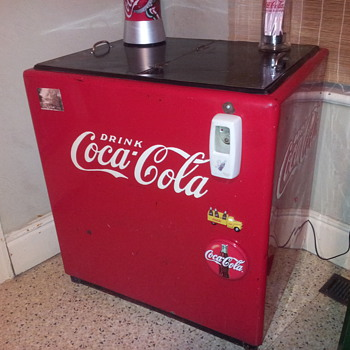 Canadian Coca-Cola Cooler - Coca-Cola