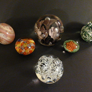 A gaggle of paperweights - Art Glass
