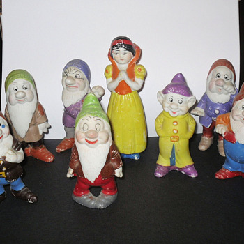 Early Disney Snow White & 7 Dwarfs Figurines - Figurines