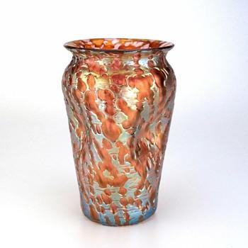 Loetz Diaspora in pink - Art Glass