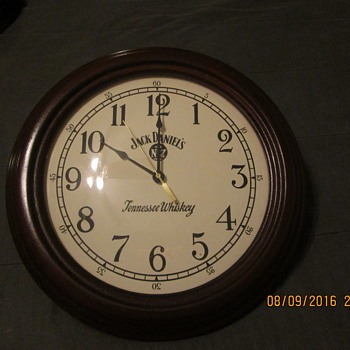 Jack Daniels Wood clock - Clocks