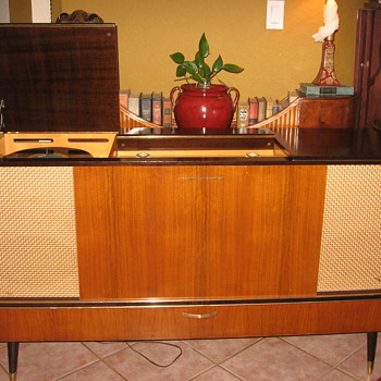 1959 Grundig SO162 Stereo Console