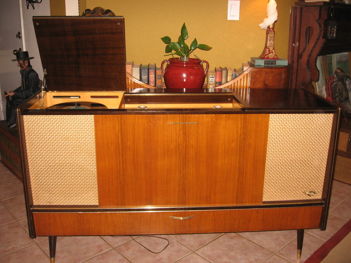 1959 Grundig SO162 Stereo Console | Collectors Weekly
