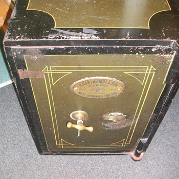 Safe Late 1900`s