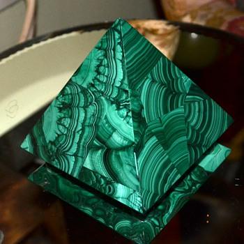 Malachite Pyramid - 5 inches
