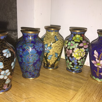 Cloisonné style mini vases and squirrel - Asian