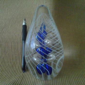 chrsytal paper weight? - Art Glass