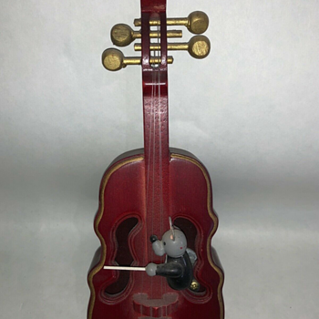 Cello Music Box Played by Mouse - Music Memorabilia