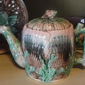 Majolica Etruscan Seashell pattern