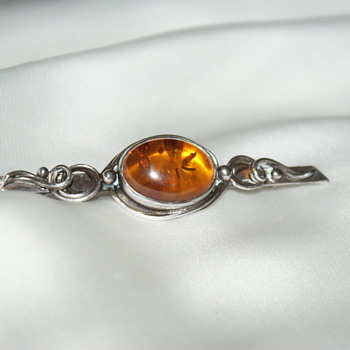 Beautiful Sterling Amber Brooch - Fine Jewelry