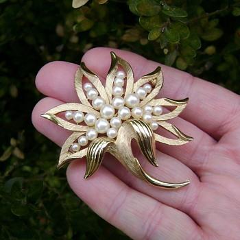 Crown Trifari Blooming Flower Brooch - Costume Jewelry