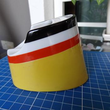 Hamburg American Line ceramic funnel ashtray - Tobacciana