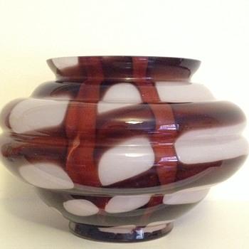Kralik webbed vase - Art Glass