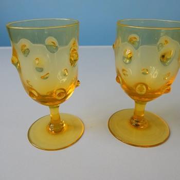 "Webb ""Old English Bullseye"" Glasses. - Glassware"