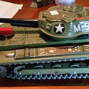 Modern Toys Japan tin tank - Toys