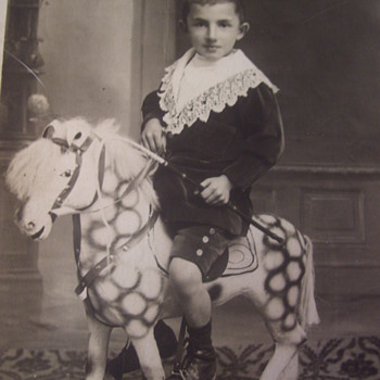 VICTORIAN ERA PHOTO POSTCARD, BOY ON HIS WONDERFUL WOODEN HORSE,PARIS - Postcards