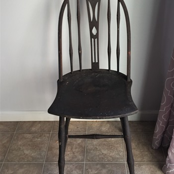 ELGIN SIMONDS FURNITURE WINDSOR CHAIR unknow exact age  - Furniture