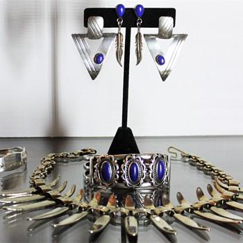 Vintage Lapis Lazuli - Fine Jewelry
