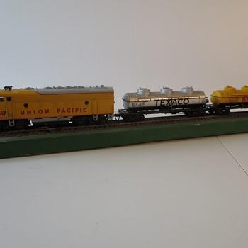 Old School Athearn Diesel Electric Locomotives - Model Trains