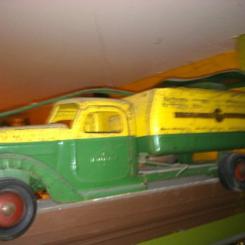 Buddy l  sit and ride truck - Model Cars