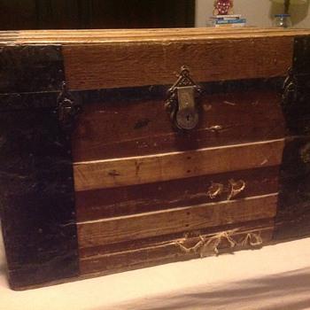 Grandad's trunk - Furniture
