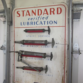 Standard Wall Mount Lubester Gun Station - Petroliana