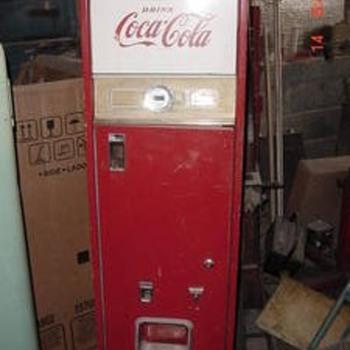 Vintage Coke Machine - Coca-Cola