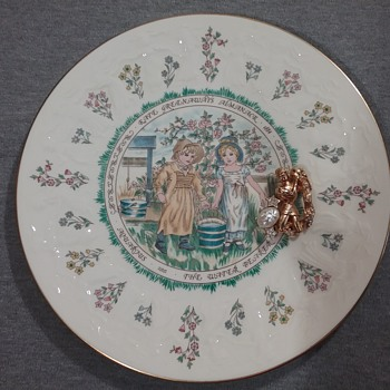 PIM Aquarius brooch, Royal Doulton Aquarius plate  - Costume Jewelry
